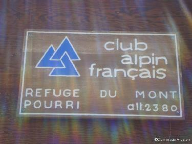 Plaque du refuge du Mont Pourri